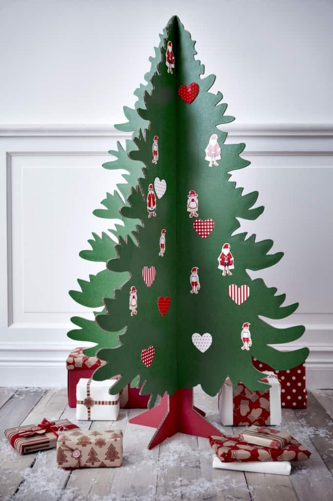 eight-incredibly-creative-alternative-diy-christmas-trees-4