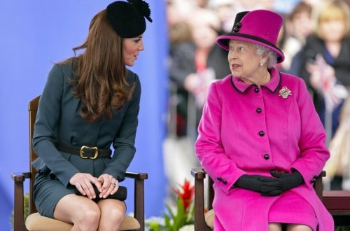 10 Awkward Ways The Queen Is Mad With Kate Middleton