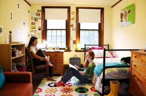 20 Life-Changing Dorm Hacks For Back To School