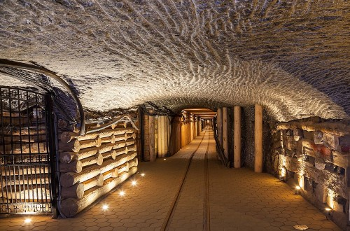 10 Of The Most Incredible Underground Cities