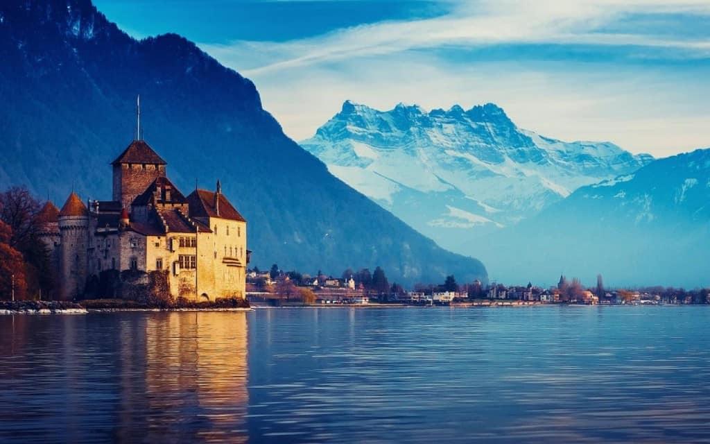 10 Reasons Why Everyone Needs To Visit Switzerland