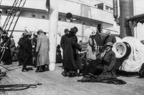 10 Shocking And Haunting Photos Of What Happened After The Titanic Sank