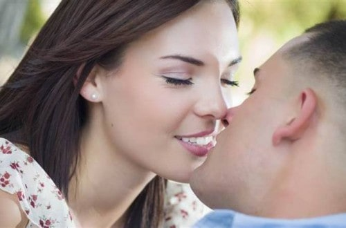 10 Things You Should Know About Kissing
